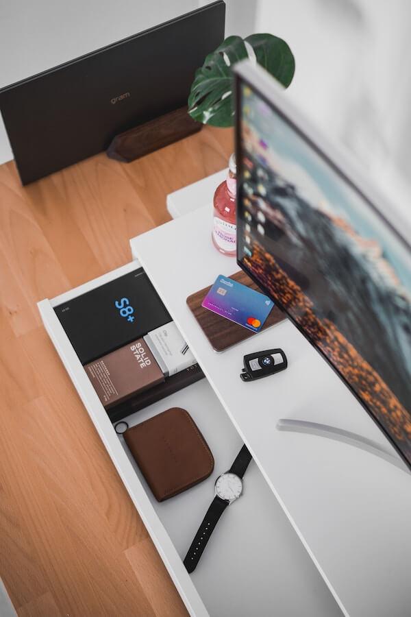 Revolutin kortilla voi tehdä ostoksia Suomessa ja ulkomailla
