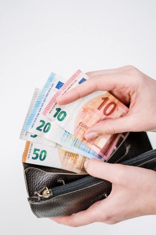 100 euron lainan saa heti tilille